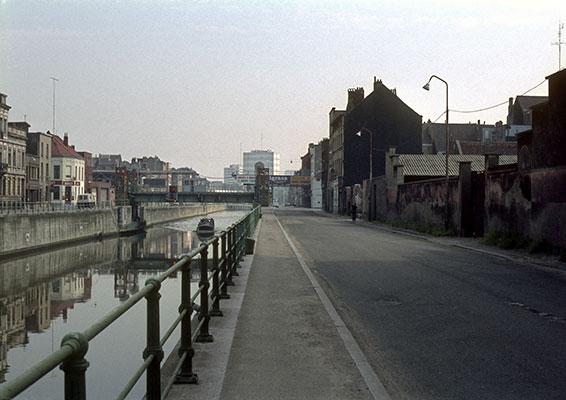 Mariemontkaai in de Brusselse wijk Sint-Jans-Molenbeek, 1980. Foto: Michel Huhardeaux.